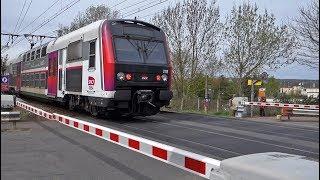 TGV et RER au passage à niveau d'Antony