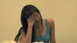 新メンバーの初夜... 「キャー!!ベッドの下に何かが...」 武智ミドリ 検索動画 11