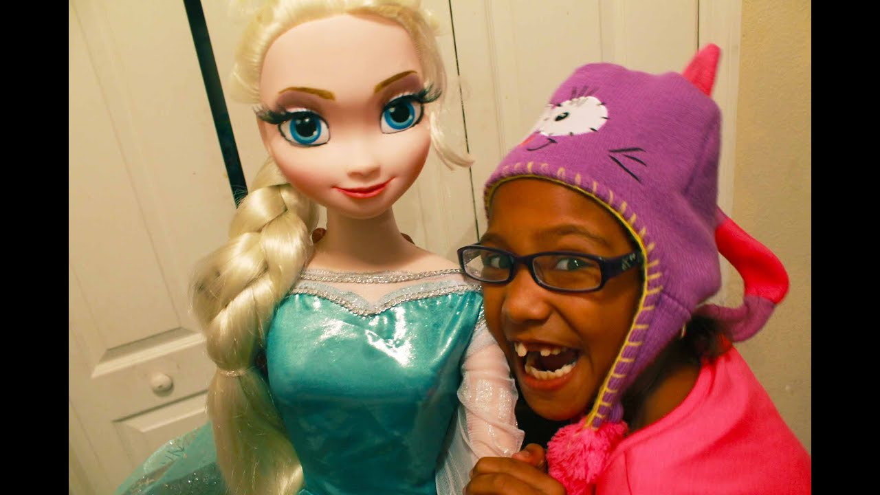 FROZEN LIFE SIZE, MY SIZE ELSA DOLL REVIEW! CHRISTMAS - YouTube