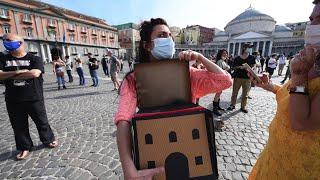 Napoli, i lavoratori dello spettacolo protestano con 10 minuti di silenzio