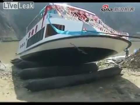 Luxury Chinese Boat Launches and Sinks Immediately
