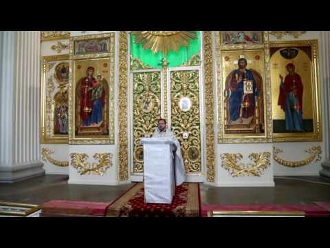 В какие моменты Литургии можно молиться о живых и усопших