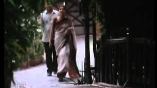Download Bikeler Sesh Alo in Chupi Chupi - Bengali Movie - YouTube.FLV MP3 song and Music Video