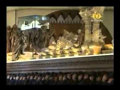2014 Semana Santa Antigua Guatemala Viernes Santo Señor Sepultado Templo de San Felipe