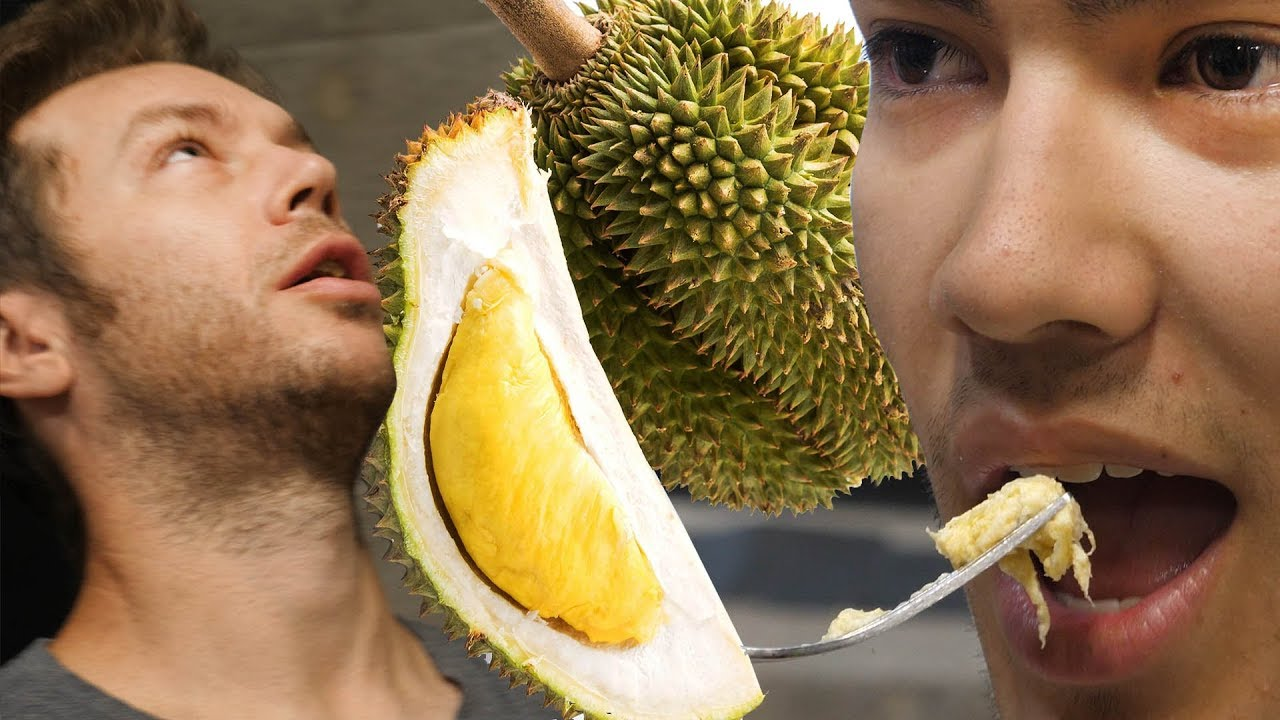 EATING THE WORLD'S SMELLIEST FRUIT