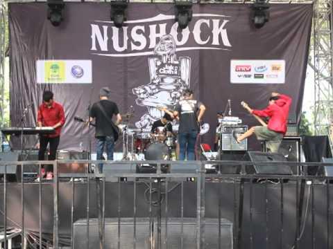 Hello ! Ice Cream Berry - INTRO ( Nushock Stage Jakcloth Summer Fest 2013 )