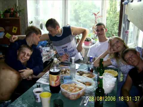 studenti-v-obshezhitii-nochyu-gulyanka-polniy-li-kontakt-pri-semkah-eroticheskih-filmov