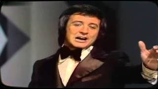 Watch Tony Christie Dont Go Down To Reno video