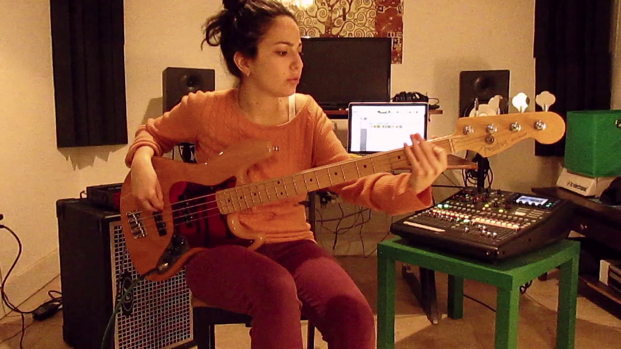 Yonit Spiegelman - Live Funk   Bass Improv