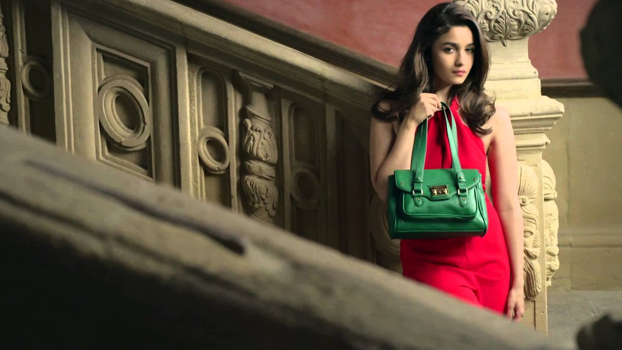 Fashion Wallpaper Girl Introducing Alia Bhatt The Caprese Girl Youtube