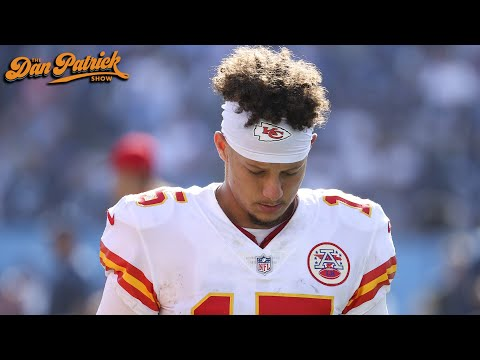 Chris Simms Says He's Most Concerned With Patrick Mahomes' Pocket Presence | 10/26/21
