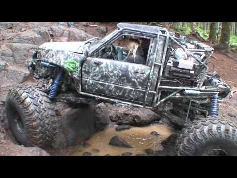 Warn Industries and Pirate 4x4 TV: Wheeling in Tillamook State Forest