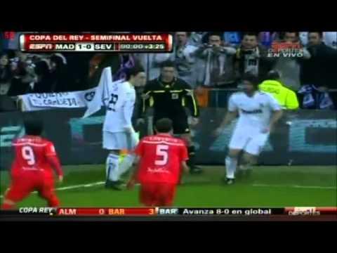 Real Madrid 2-0 Sevilla Goles Ozil  Adebayor Semifinal Copa del Rey 2011 Vuelta  Cadena COPE