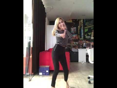 BOEK Dancer