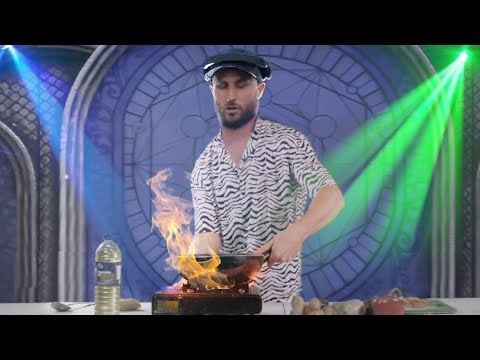 DJ FISHER COOKING ON TOMORROWLAND MAIN STAGE (CURLYKID)