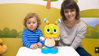 Видео для Малышей - Интерактивный Робот Зайчик БИБО и малыш Никита. Игры для самых маленьких детей