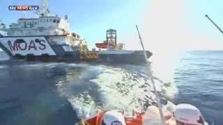 """""""سكاي نيوز عربية"""" على متن سفينة لإنقاذ المهاجرين بالمتوسط"""