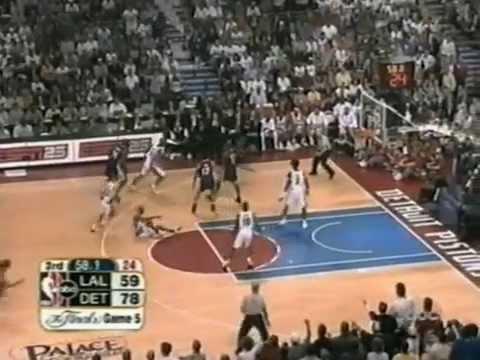 Ben Wallace (18pts/22rebs/10offrebs) vs. Lakers (Game 5, 2004 Finals)
