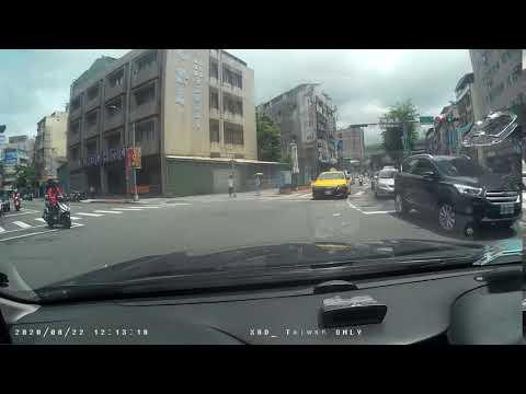 垃圾計程車左轉彎未先駛入內車道