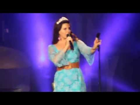 [HD] Lana Del Rey - Us Against The World (Live in Atlanta June 14th, 2015)