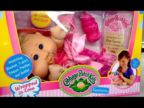 f99e05c7c003d CABBAGE PATCH KIDS Newborn DOLL, BOTTLE, PACIFIER, DIAPER, BLANKET AND  CLOTHES