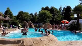 petite danse autour de la piscine