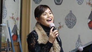 버드리 2014.12.30~ 1 회 송년회 순수한복장으로 장구치는 모습