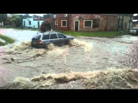 Suipacha y Ecuador, inundada