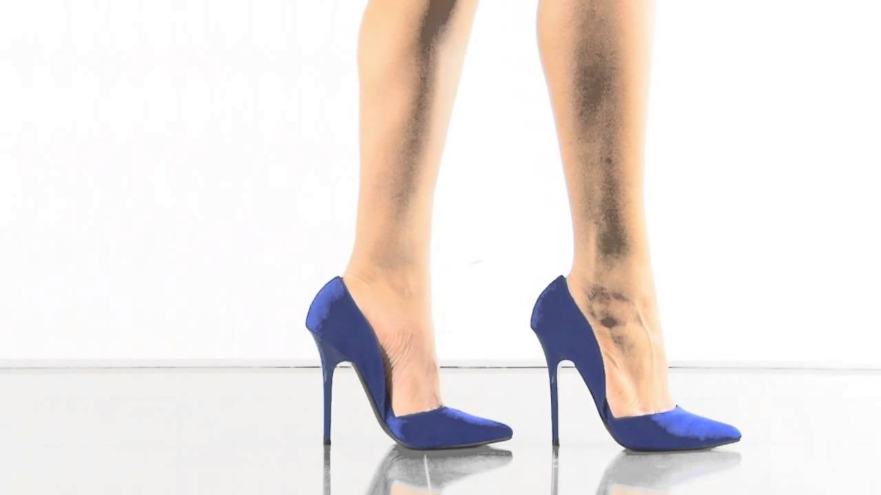 5477f0373af Varcityy in Blue Suede Steve Madden - YouTube