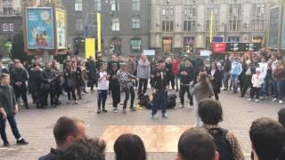 Boy outclasses girl in street dance competition in Kiev