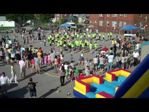 Elementary School Flash Mob to