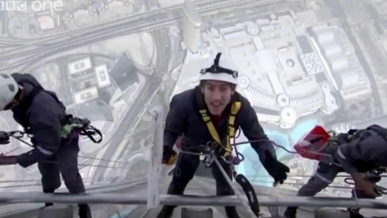 Ricardo gp100 limpiar ventanas en el edificio m s alto del - El mejor limpiacristales ...