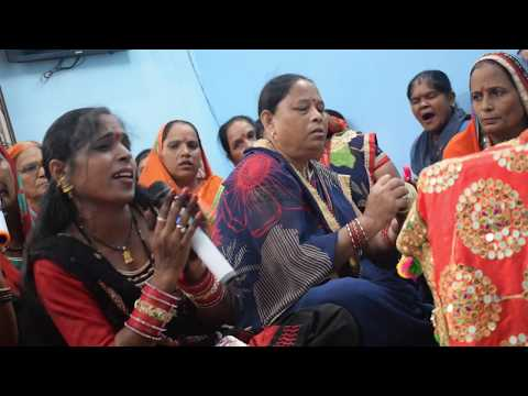 मैया किसी गरीब की किस्मत संवार दे LYRICS Maiyaa kisi gareeb ki kismat sanwar do