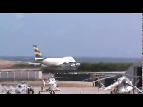 Boeing 747 200F Short landing at Mogadishu (Adan Adde Airport) Airport