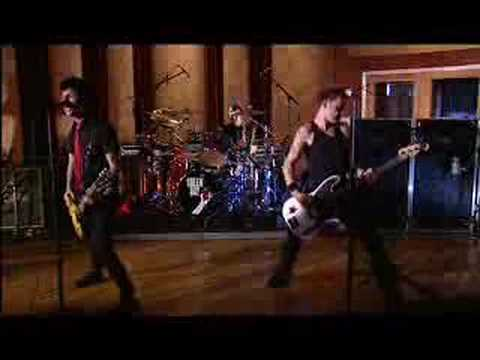 Green Day - American Idiot (live launch)