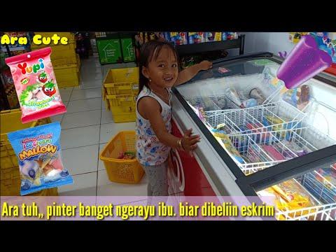Ara Ngerayu Ibu Nih,,Pengen Dibeliin Eskrim Duo Anggur🍦Padahal Ibu Mau Marshmallow Sama Permen Yupi