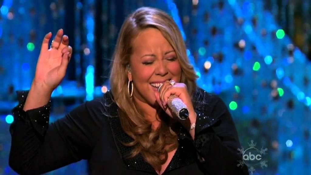 Mariah Carey Screaming The Christmas Song!!! - YouTube