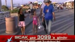 Petek Dinçöz   Kıbrıs Sokaklarında Turluyor