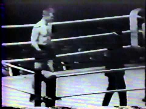 Frank Moran knocks out Joe Beckett