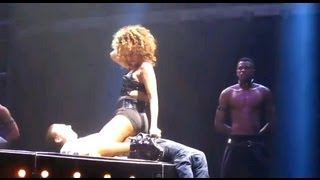 Rihanna Gives Fan A Massive Boner (Rihanna Gives Fan A Lap Dance On Stage)