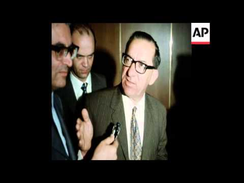 SYND 31-3-72 MALTESE PREMIER DOM MINTOFF MEETS WITH THE CHINESE AMBASSADOR TO ITALY