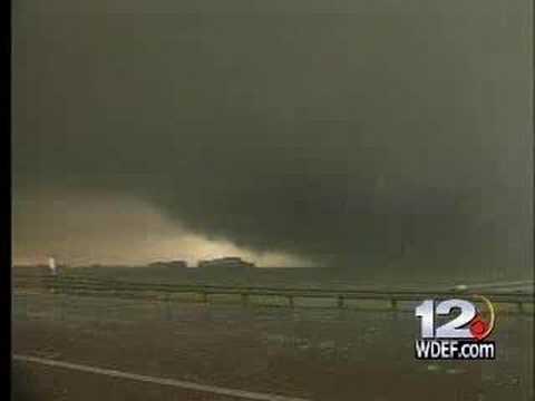 Huge Monster Tornado caught on video in Colorado