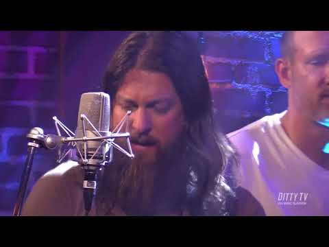 """Greensky Bluegrass performs """"Past My Prime"""" on Ditty TV"""