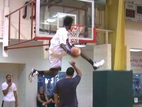 """TFB::Dunks:: Justin Darlington is the Highest Jumper in the World (Dubble Up over 6'5"""")"""