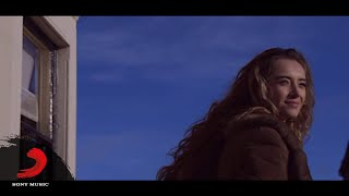 Emre Tezcan - Loving in The Dark  Resimi