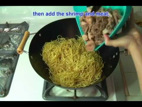 Vietnamese Food Day Nau An Mi Xao Thap Cam - How to Make Stir Fried Noodles Low Mein