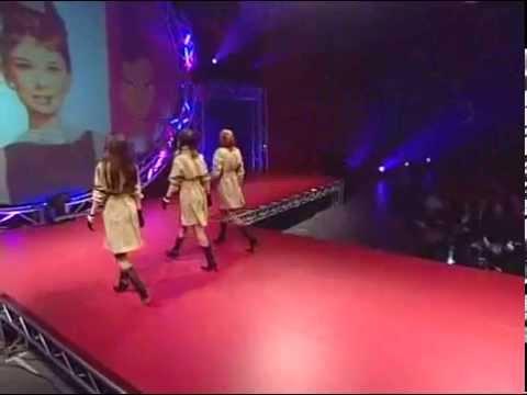 Défilé de Mode - Signature 2004 Fashion Show -- Collège LaSalle Montréal