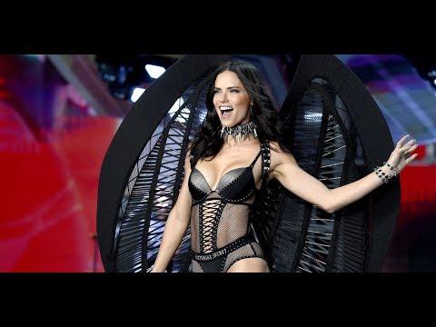 Adriana Lima Victoria's Secret Runway-end Pose 1999-2017