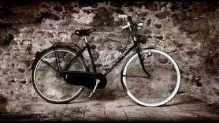 Biciclette d'epoca in mostra.