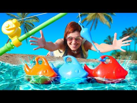 Видео: Игры для детей - Маша Капуки на море ловит рыбу - Видео с игрушками для малышей